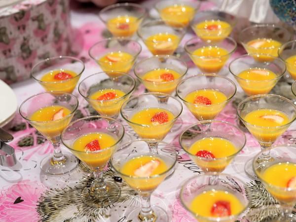 ヒルトン東京のいちごのデザートビュッフェ|フルーツスープ