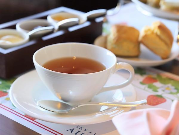 京王プラザホテルのアフタヌーンティー<オーロラ>|紅茶