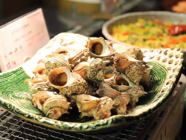 クロスダインのビュッフェ|サザエのつぼ焼き