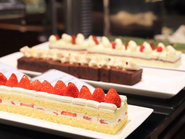 横浜ベイシェラトン「コンパス」のランチブッフェ ショートケーキ