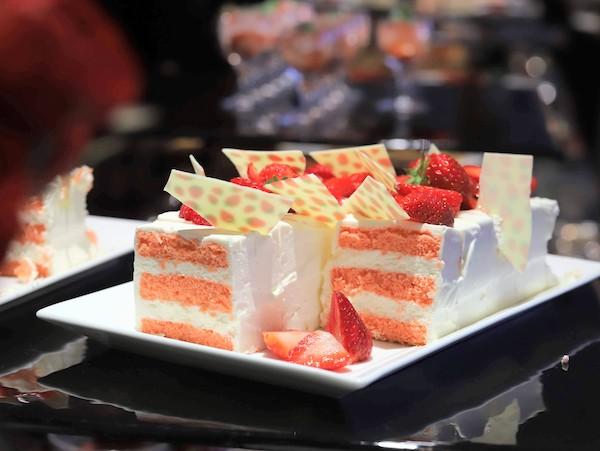 横浜ベイシェラトンのスイーツブッフェ|ショートケーキ