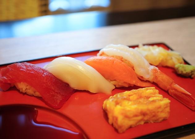ホテルニューオータニ幕張のランチビュッフェ|寿司