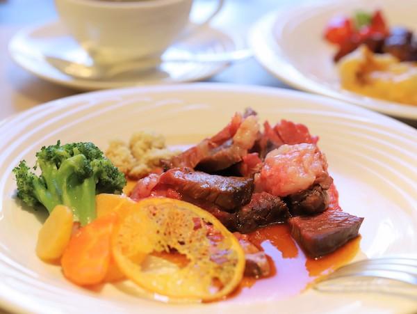 ホテルニューオータニ幕張のランチビュッフェ|皿盛り