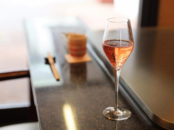 グランドプリンスホテル高輪「桂」の鉄板焼ランチ(スパークリングワイン)