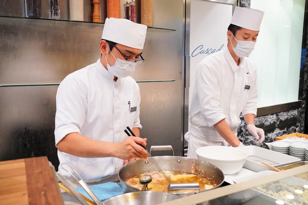 ANAインターコンチネンタルホテル東京「カスケイドカフェ」のディナービュッフェ|ライブキッチン