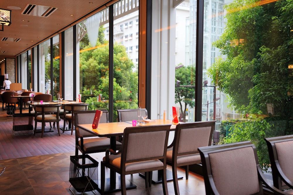 グランドプリンスホテル新高輪|ザクロのディナーブッフェ(席)