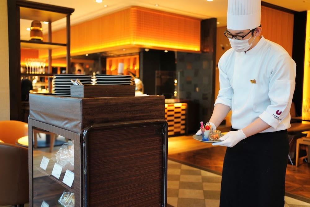 グランドプリンスホテル新高輪|ザクロのディナーブッフェ(ワゴン)