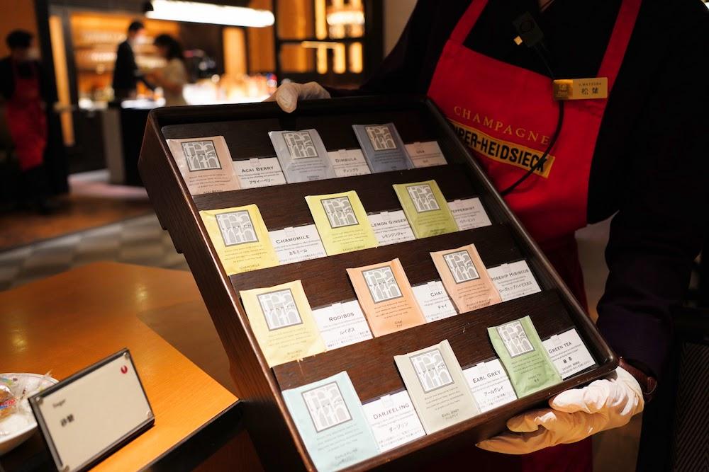 グランドプリンスホテル新高輪|ザクロのディナーブッフェ(紅茶)