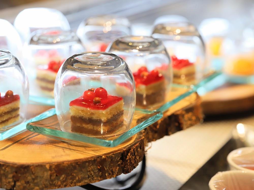 ANAインターコンチネンタルホテル東京「カスケイドカフェ」のディナービュッフェ|デザート