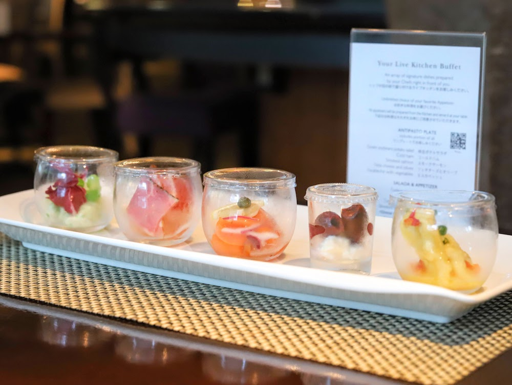 ANAインターコンチネンタルホテル東京「カスケイドカフェ」のディナービュッフェ|前菜