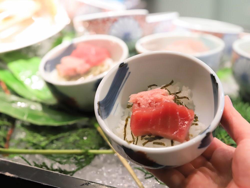 ANAインターコンチネンタルホテル東京「カスケイドカフェ」のディナービュッフェ|鮪丼