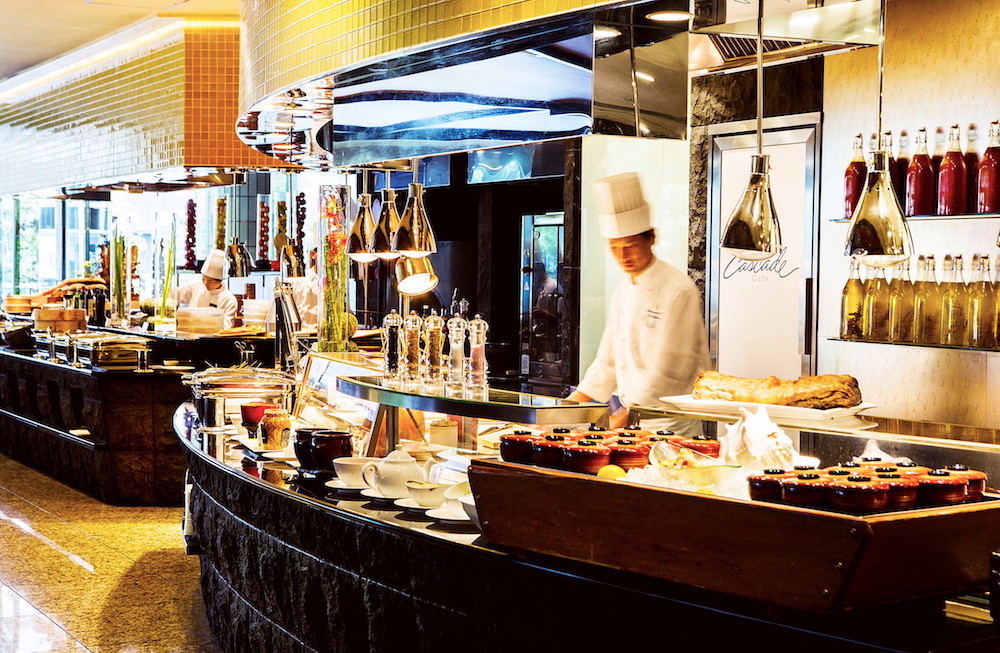 ANAインターコンチネンタルホテル東京「カスケイドカフェ」のディナービュッフェ|ブッフェ台