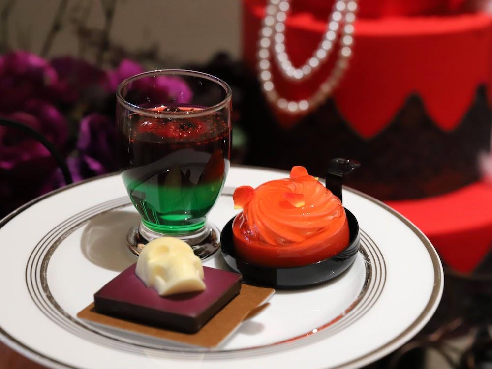 コンラッド東京セリーズのハロウィンスイーツビュッフェ|お皿盛り