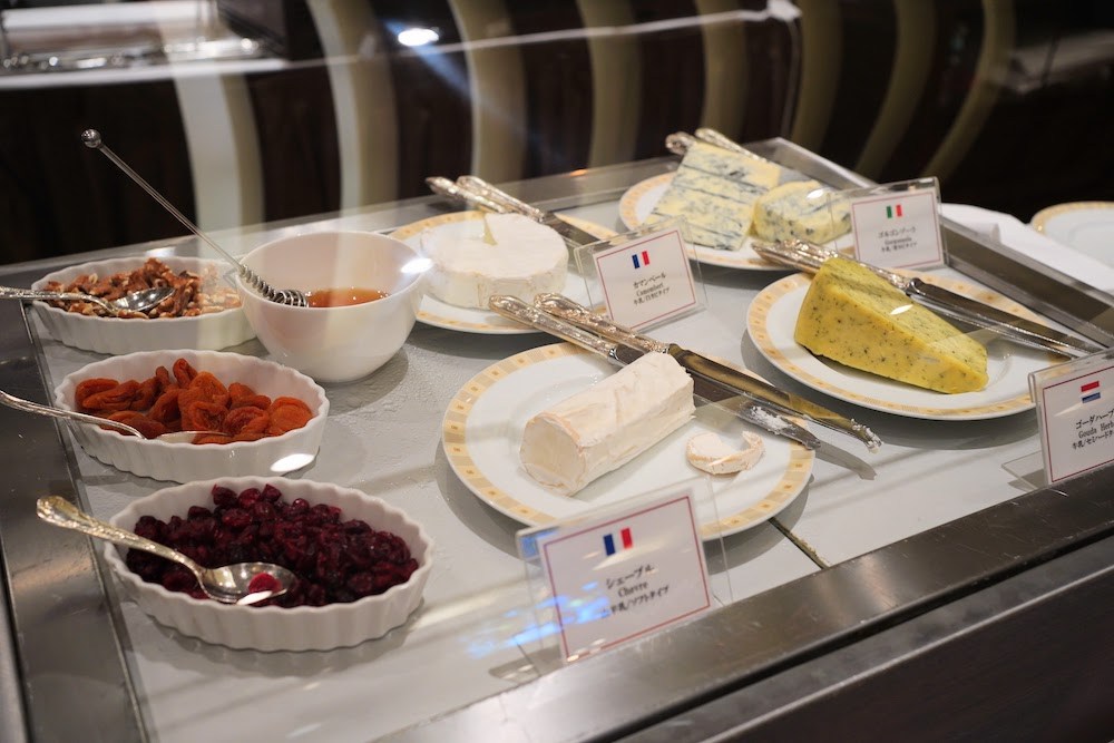 帝国ホテル「インペリアルバイキング サール」のビュッフェ|チーズ