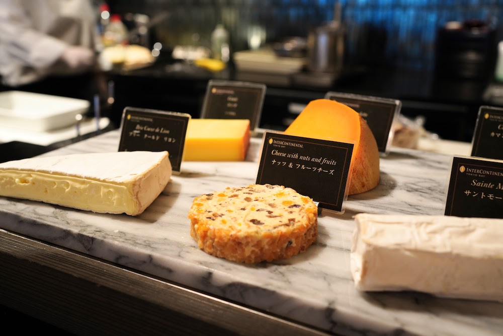 インターコンチネンタル東京ベイ「シェフズライブキッチン」のデザートビュッフェ|チーズコーナー