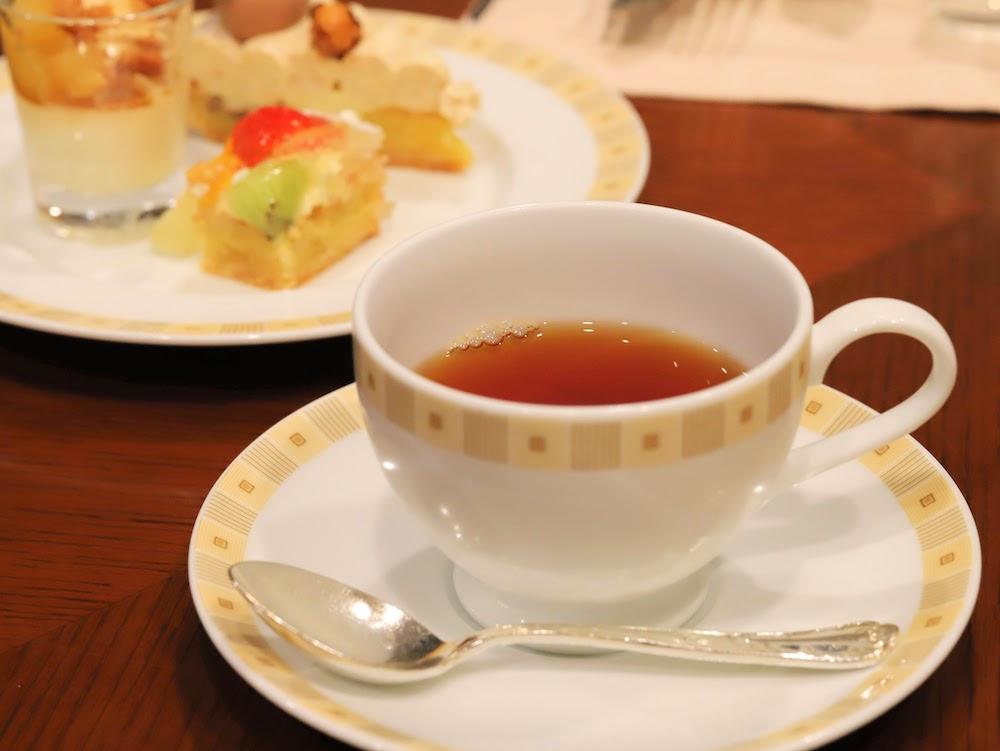 帝国ホテル「インペリアルバイキング サール」のビュッフェ|紅茶