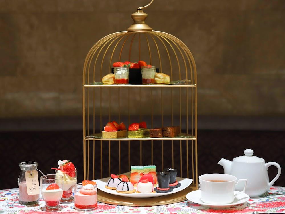 ヒルトン東京「マーブルラウンジ」のいちごスイーツ&ランチビュッフェ|鳥かごスタンド