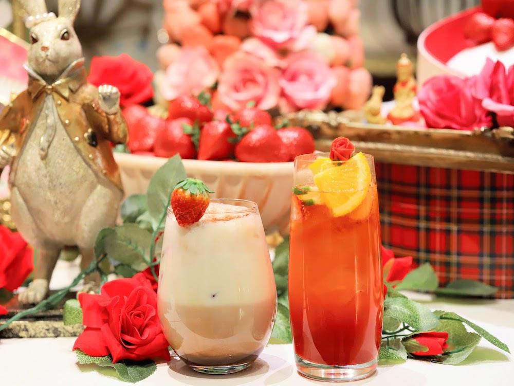 ヒルトン東京「マーブルラウンジ」のいちごスイーツ&ランチビュッフェ|苺カクテル