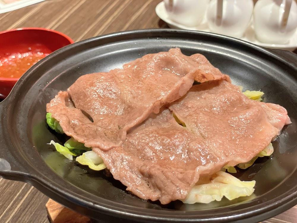 横浜ベイシェラトン「コンパス」のオーダービュッフェ|佐賀牛と春キャベツの陶板蒸し